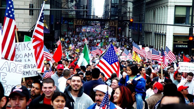 A 2006 rally for immigrant rights was Chicago's largest ever. The march, which drew between 250,000 and 500,000 people was a peaceful and effective demonstration of political power. (Image:  jvoves CC-by-nc-sa)